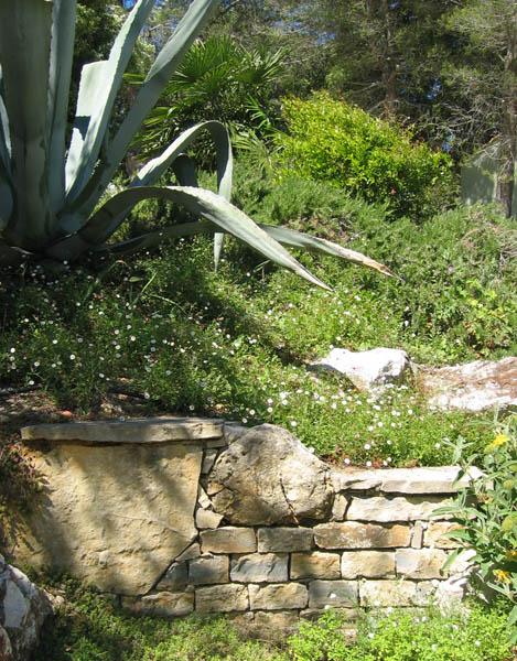 Jardin service entretien d 39 espaces verts et mise en for Entretien jardin 28