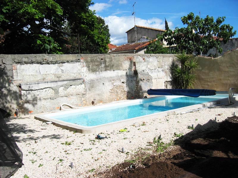 Jardin service r alisation d 39 un am nenagement des abords de piscine h rault for Abords de piscine