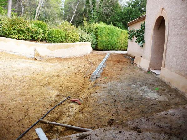 jardin service travaux de terrassement dans tous terrains et tous vos projets h rault. Black Bedroom Furniture Sets. Home Design Ideas