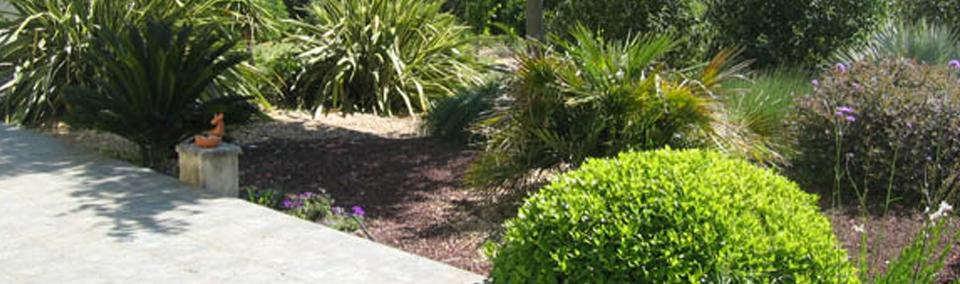 Jardin service entretien d 39 espaces verts et mise en for Service entretien jardin